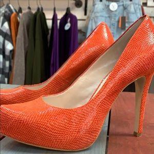 🎉3/$35 BCBGeneration Coral Heels